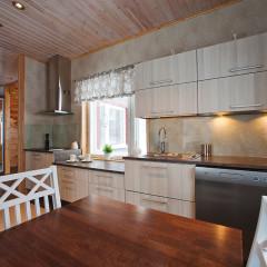 Oak white varnishing